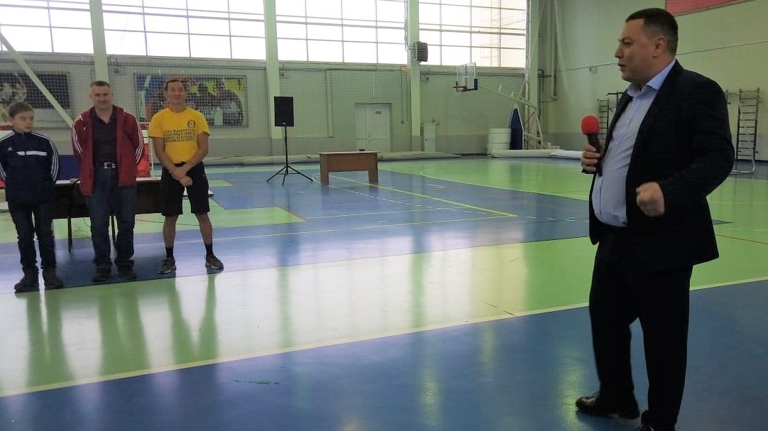 Генеральный директор Руднев Р.Е. на открытии турнира по гиревому спорту